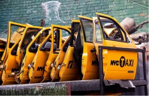 NYC Taxi Doors at Taxi Garage - Sunnyside, Queens Flickr Chris Goldberg 12 février 2012